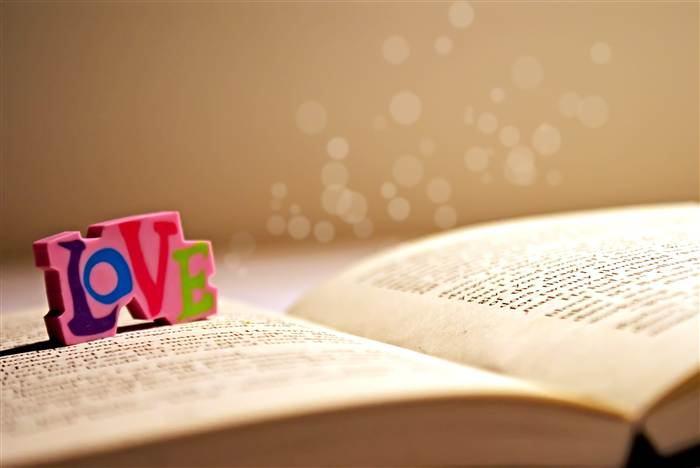 """100 bài thơ hay nhất thế kỉ """"sống""""mãi với thời gian"""
