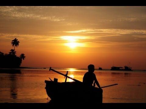Đi Thuyền Trên Sông Đáy ( Hồ Chí Minh ) – Bài Thơ Đi Cùng Năm Tháng