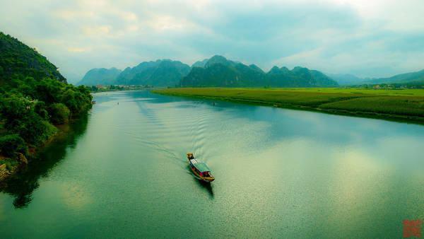 Nhớ con sông quê hương (Tế Hanh) – Hình ảnh con sông quê mộc mạc và trong veo