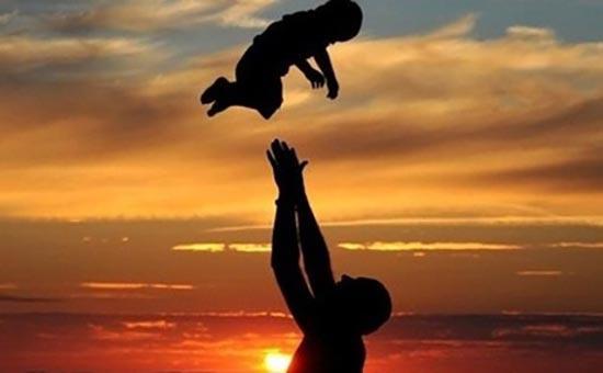 BST Những Bài Thơ Tiễn Biệt Cha Đầy Xúc Động