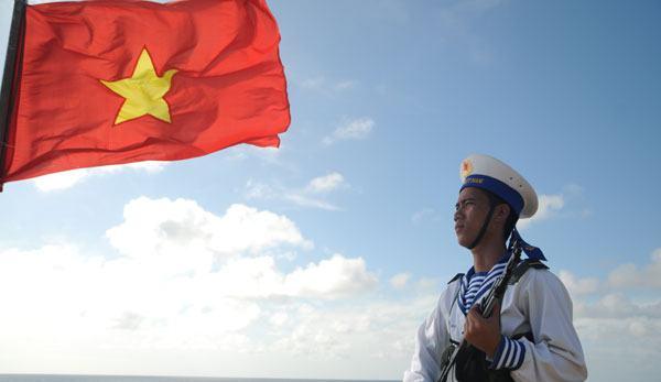 Tổ quốc nhìn từ biển (Nguyễn Việt Chiến) – Khẳng định chủ quyền lãnh thổ, đất nước